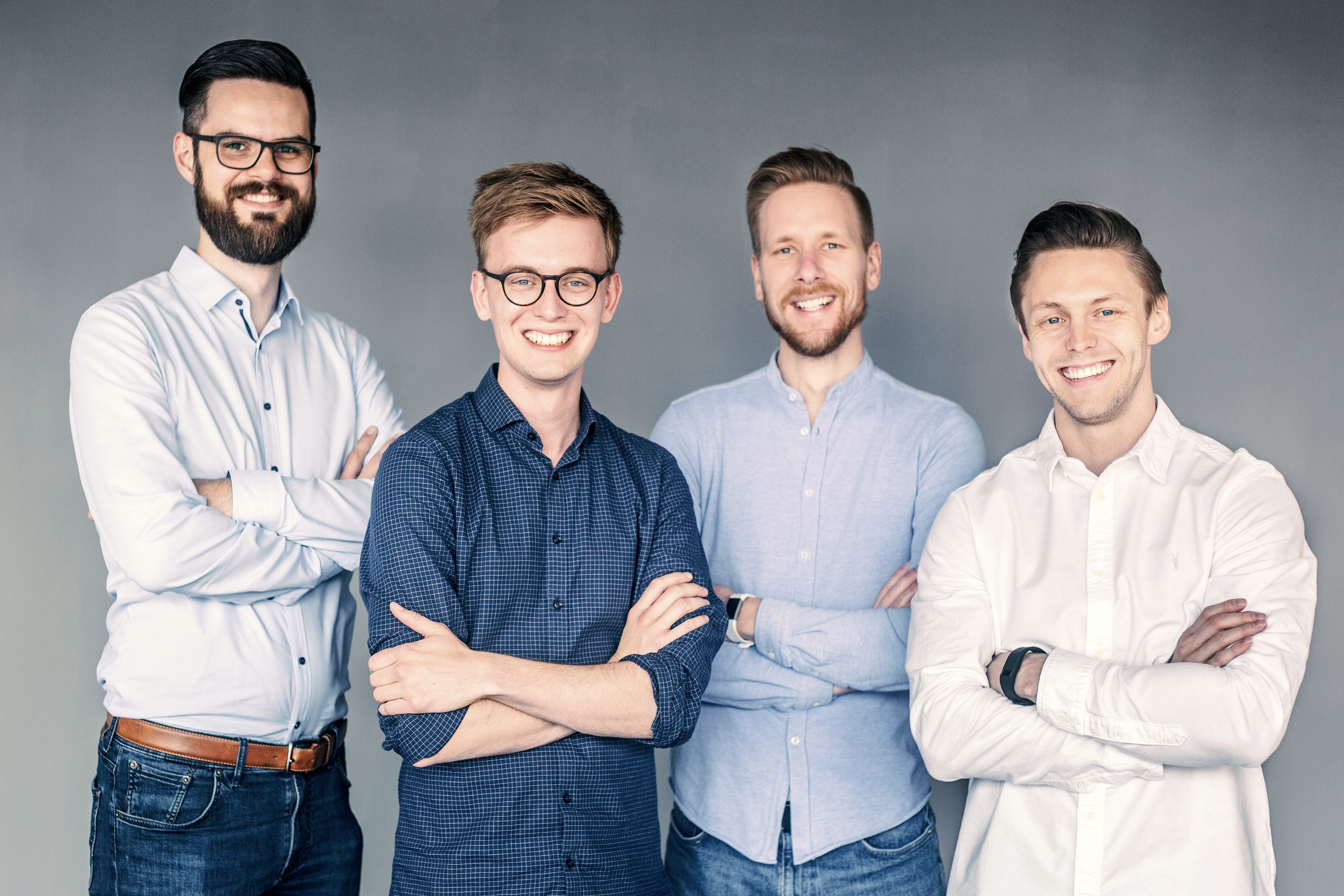 "Our very first ""official"" team picture in June 2019. (Credits: [Lukas Hoppe](https://www.lukashoppe.com/))"