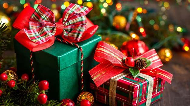 christmas is here with us again and one of the best things we do for christmas is to remember our loved ones with christmas gifts for friends and family - Why Do We Give Gifts At Christmas