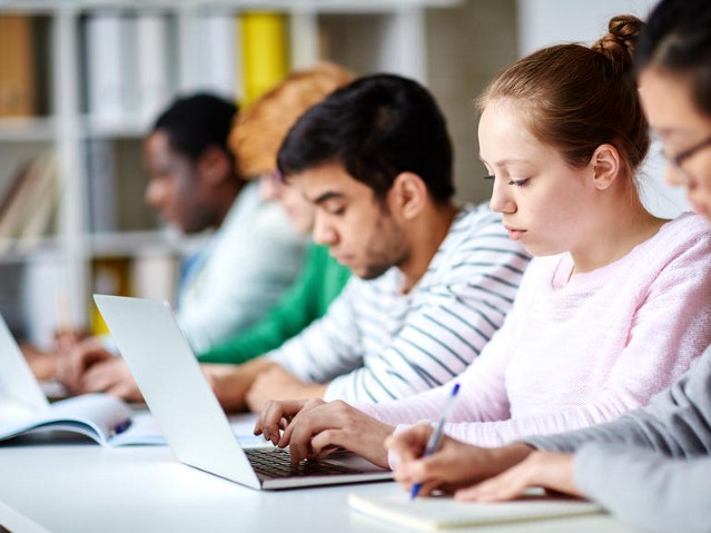 Should big data be used to discourage poor students from university?