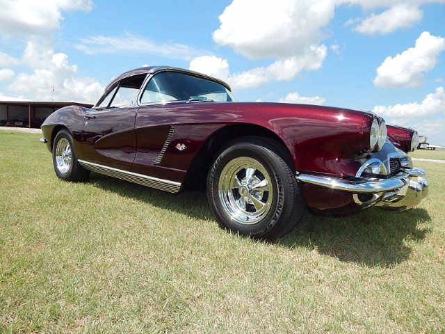 ShowWinning Chevrolet Corvette To Be Sold At Upcoming Vicari - Nocona car show