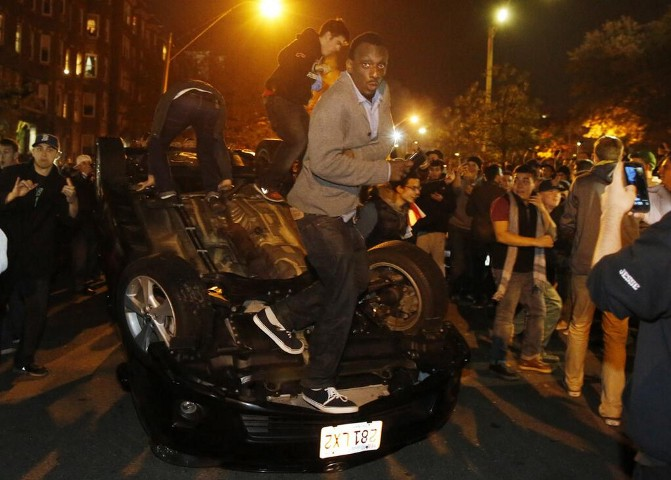 Boston riot after World Series 2013 victory