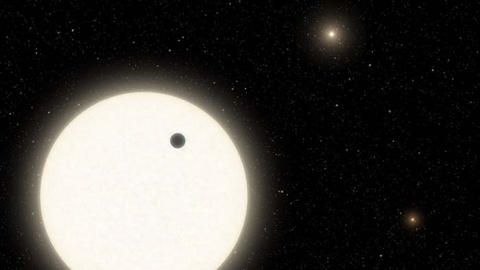 Confirmed: An exoplanet with three Suns