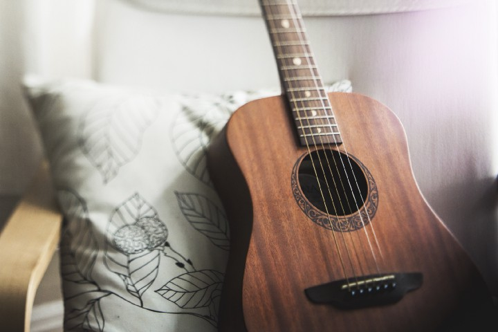 Don't let this guitar be lonely… put your passion to use!