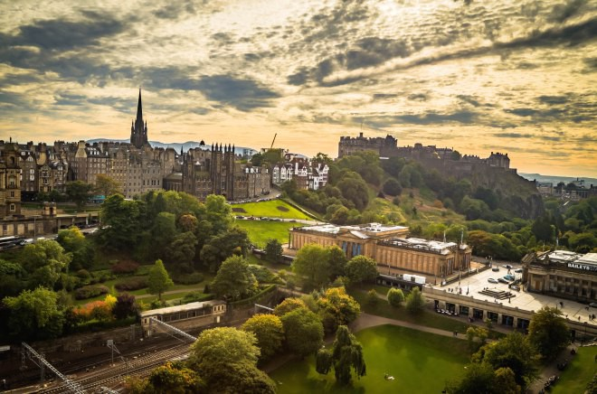 Why isn't there high paying tech jobs in Edinburgh? I would much rather live there... There's no reason for all the tech companies to be in the same town is there?