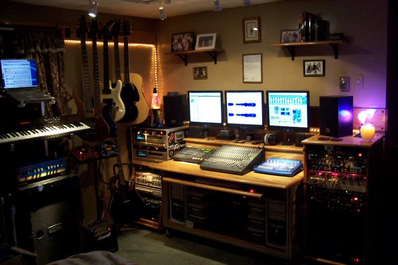 Groovy Thinking About Setting Up A Recording Studio In Your Dorm Largest Home Design Picture Inspirations Pitcheantrous