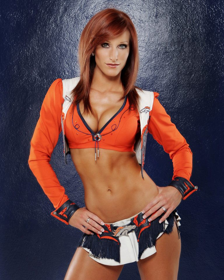 Top 10 Hottest Denver Broncos Cheerleaders