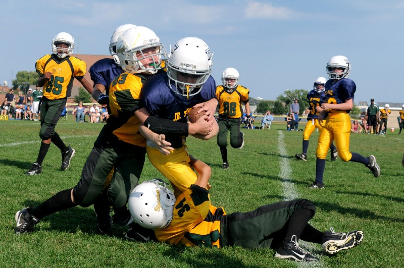 4 Reasons Kids Should Play Sports