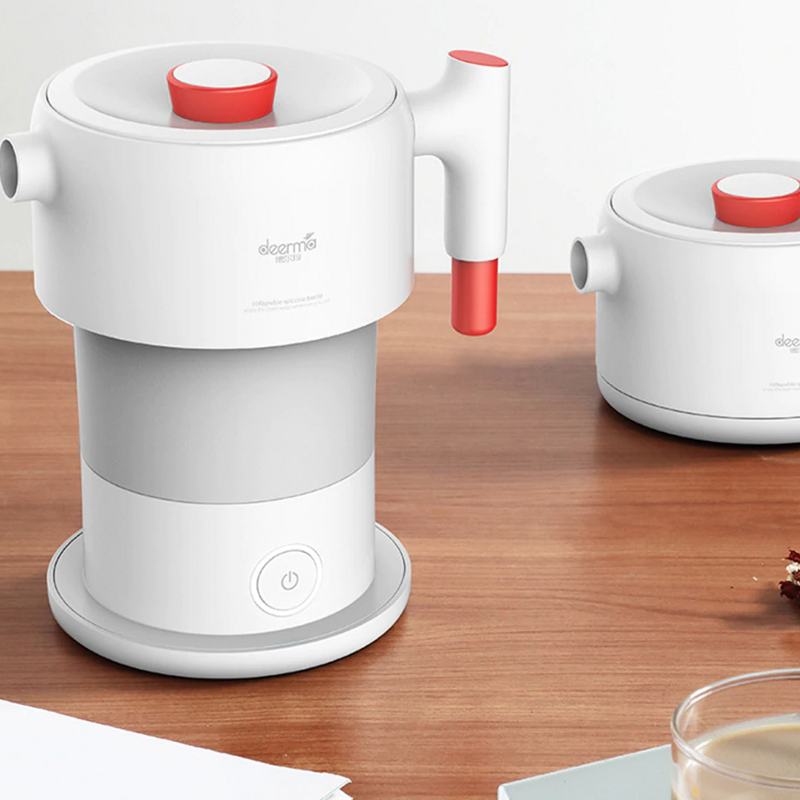Collapsible electric travel kettle