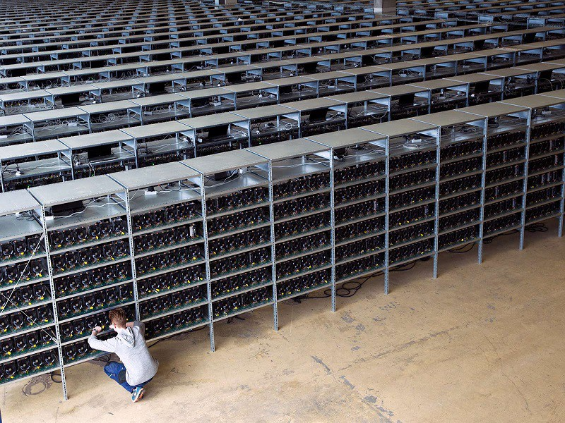 /the-future-of-mining-and-the-importance-of-asic-resistance-5ffa544a0821 feature image