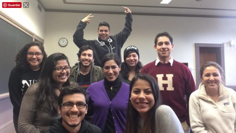 María Luisa Parra with her heritage language students at Harvard