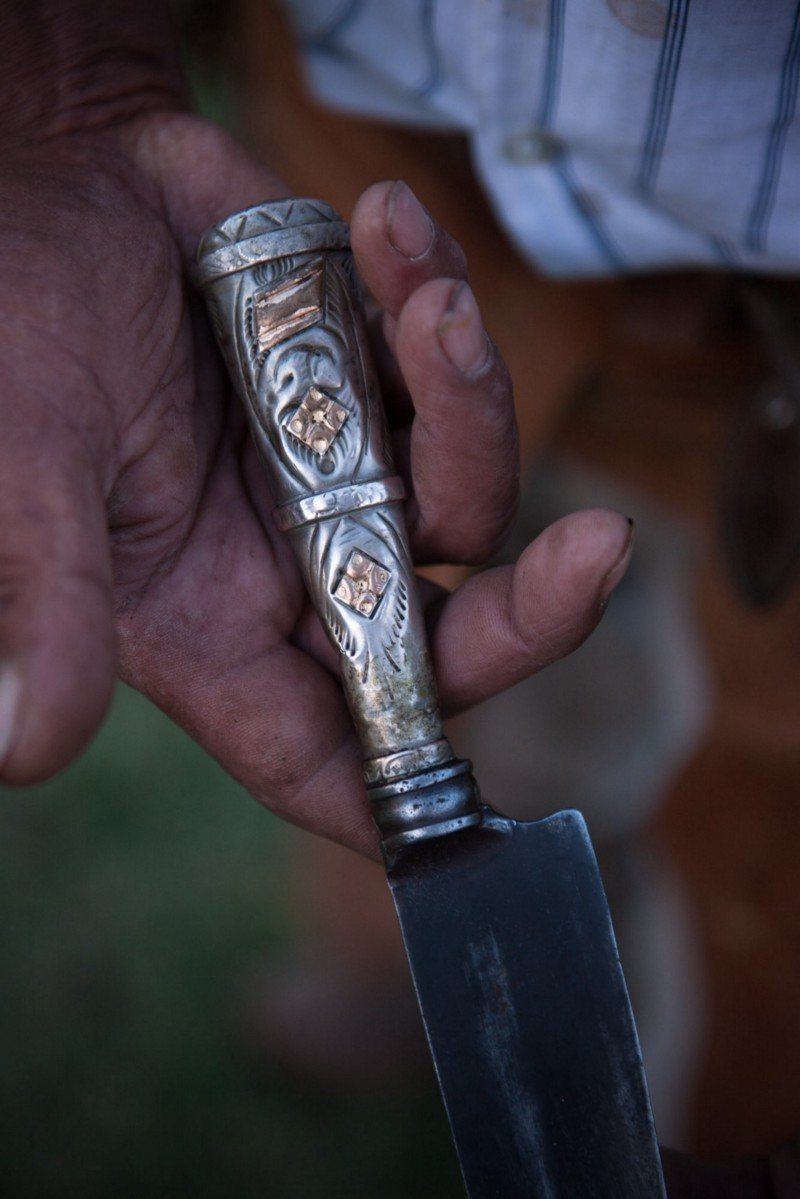 Facón knives are prized possessions, often decorated with silver and gold. ©James Fisher 2017 All Rights Reserved