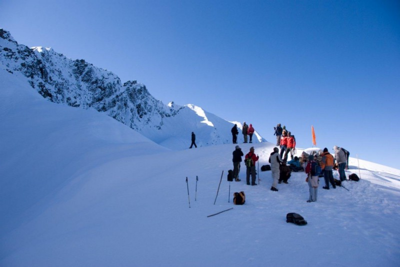 Treks To Beat The Heat, Best Cold Destinations In India, Cool Places In India, Cool Trekking Places In India, Himalaya Trekking Places, Roopkund Trek, sutra, The Mystery Lake