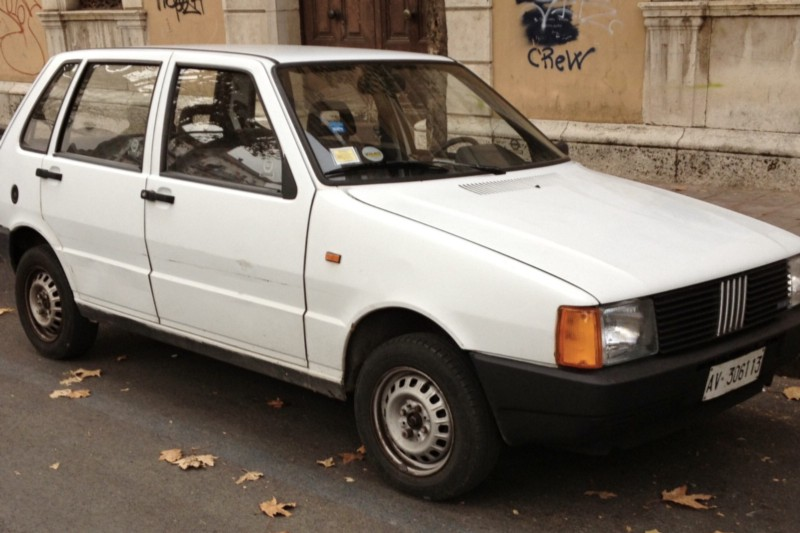 A 1980s model white Fiat Uno was involved in the crash—but who was the driver?