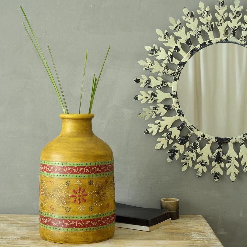 Glam Up Your Home And Lifestyle With Designer Flower Vases