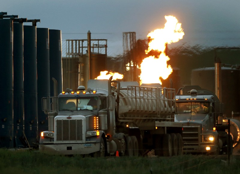 US finalizes rule to limit gas 'flaring' at drilling sites