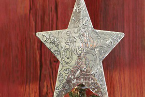 Why Summer is the Best Time to Buy Unique Tree Toppers