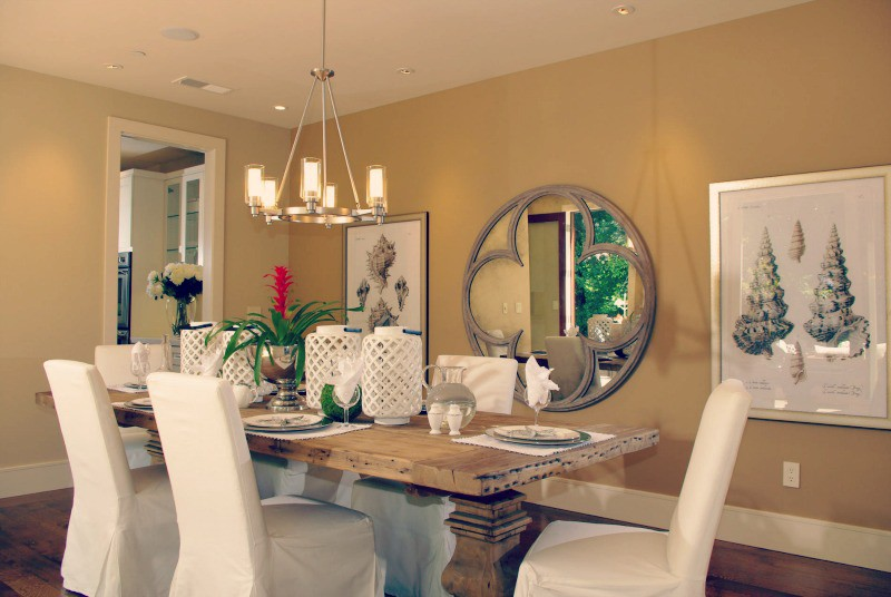 Vintage Mirror In Your Dining Room Is Always A Good Idea