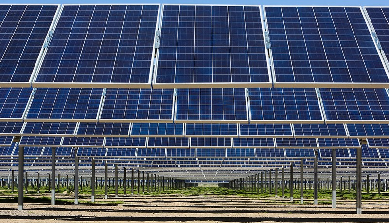 Arizona utility signs game-changing deal cutting solar power prices in half