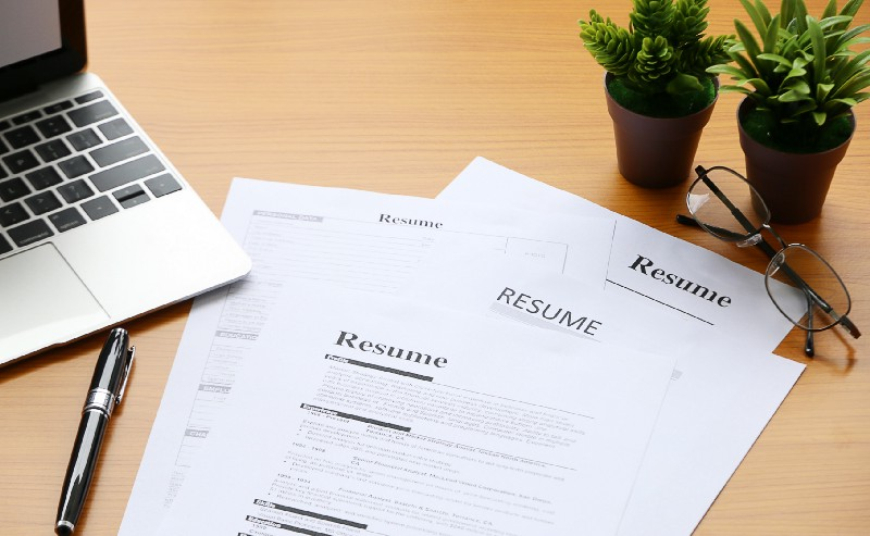 How to write an awesome junior developer résumé in a few simple steps