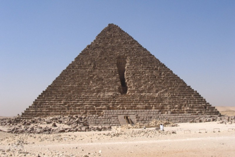 Plans for Menkaure's pyramid appear to have changed mid-build (credit: Ankur P/wiki)