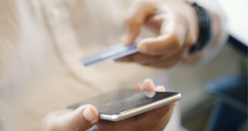 How Web and Mobile Come Together in the Customer Journey