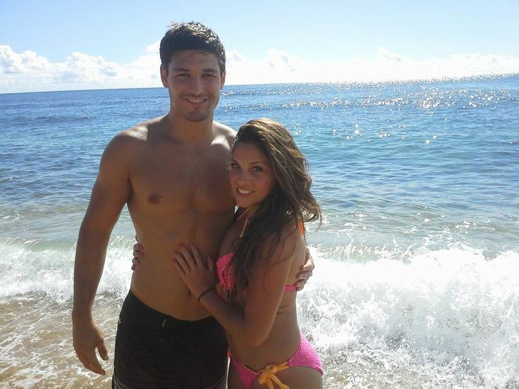 Are any of the home and away cast hookup