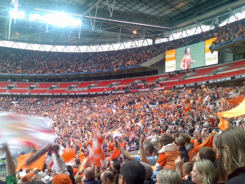 Image of 2010 playoff final by [Gordon Segar](https://www.flickr.com/photos/93289896@N00/) and licensed [CC BY-NC-ND-2.0](https://creativecommons.org/licenses/by-nc-nd/2.0/). The empty seats are corporate ones. The fans celebrating are Blackpool fans wearing the brightest tangerine.