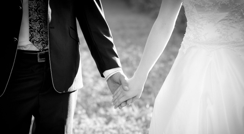 essay on getting married young Toefl® essay: do you think it's you may have happiest days if the child whose mom is young there two discussions: getting married before or.