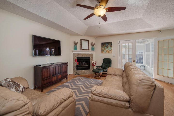 Home for sale in bluewater bay fl 4328 e hidden lakes for Homes for sale with hidden rooms