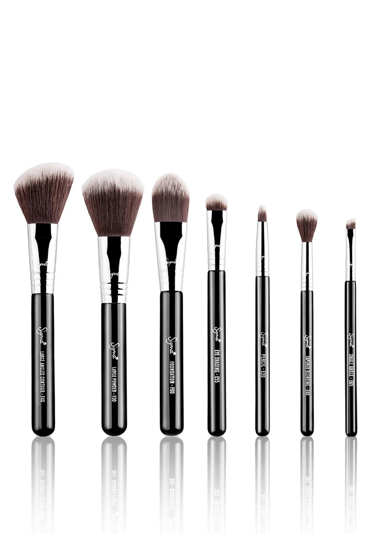 The Beginners Guide To Makeup Brushes Thread By Zalora Philippines Eco Tools 1600 Full Powder Brush Works 6 Piece Set Metallic Grey 1206 Starter Sigma Beauty Travel Kit Mr Bunny