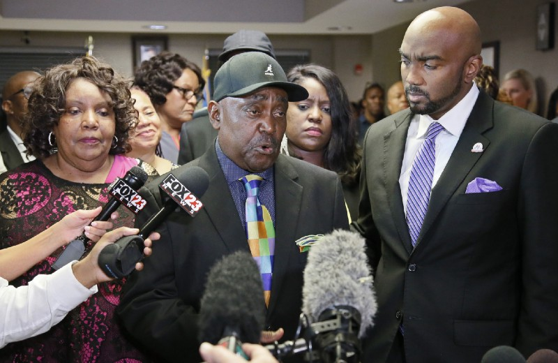 Terence Crutcher's Family Files Civil Suit Against Officer Betty Shelby