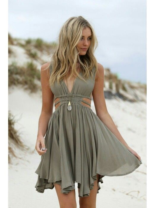 Go With the Flowy: Flowy Dresses, Perfect For Those ...