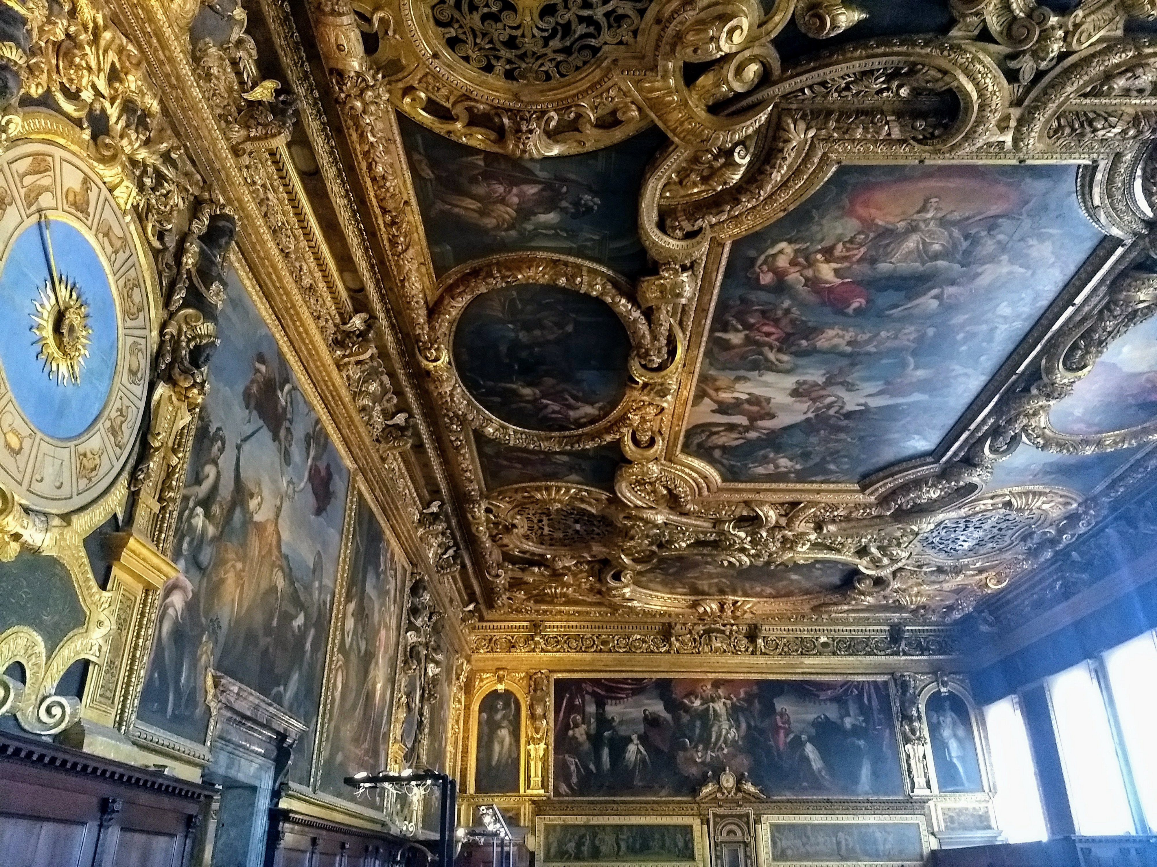 Masterpieces on walls and ceilings in a chember