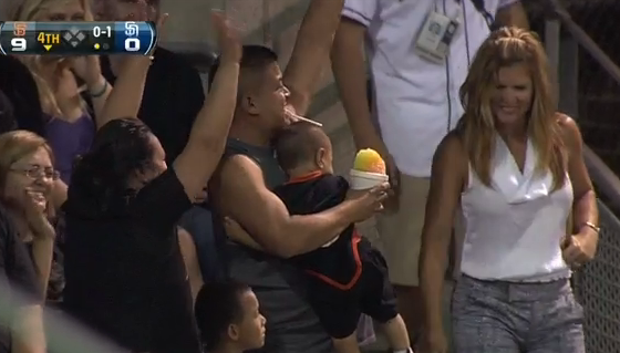 San Diego Padres Fan Catches Foul Ball, Hold Baby And Snowcone
