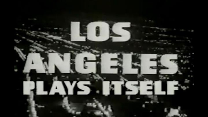 la plays itself title