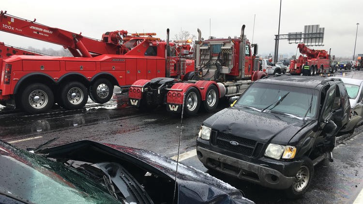 bal-traffic-jams-and-clean-up-after-a-series-of-accidents-on-i-95-20161217