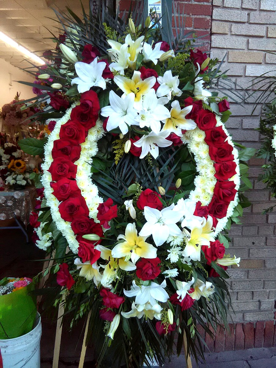 Buy your funeral flowers at glendale flower delivery at glendale flower delivery we make that desire come true for you because we have a wide collection of blooms that are most appropriate for any kind of izmirmasajfo