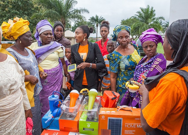 Solar Sister's sales force provides consumers with world-class solar products and clean-cooking solutions. / Solar Sister