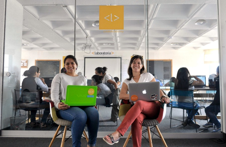 Laboratoria aims to train over 5,000 young latinas and become the leading source of female tech talent in Latin America. / Photo courtesy of Ana María Martínez