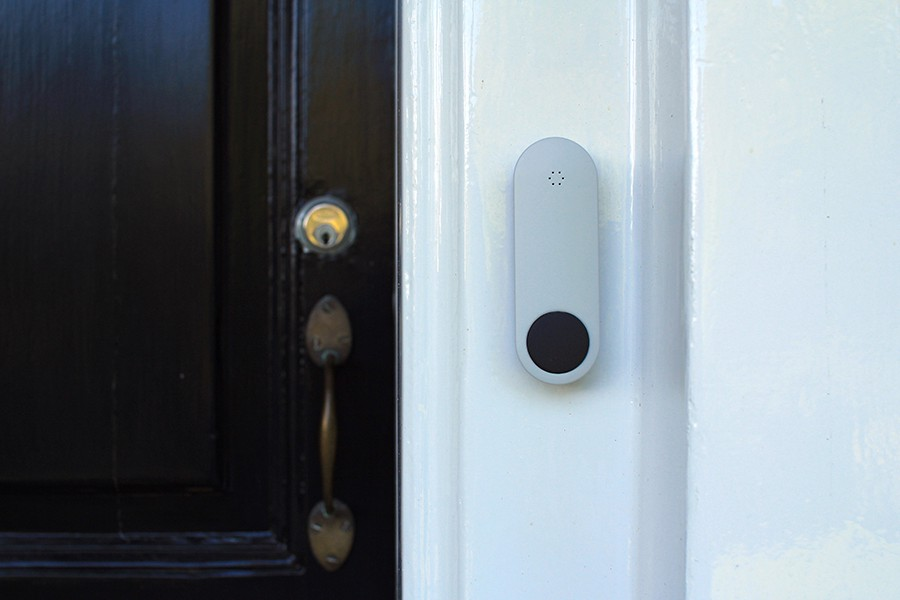 The system consists of three parts a contemporary and aesthetically-pleasing doorbell button for your doorframe an elegant doorbell chime for inside ... & This Smart Doorbell Doesn\u0027t Have Tons of Features \u2014 And That\u0027s a ...
