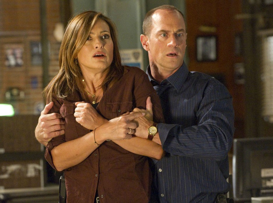 Do olivia and stabler ever hook up