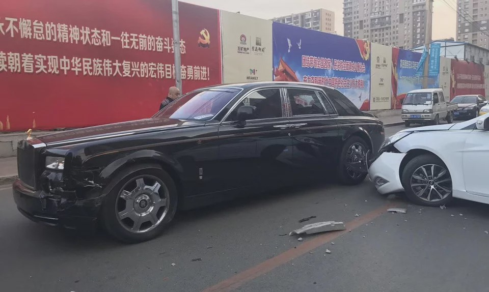 Sell Your House Rolls Royce Owner Tells Driver Who Crashed Into